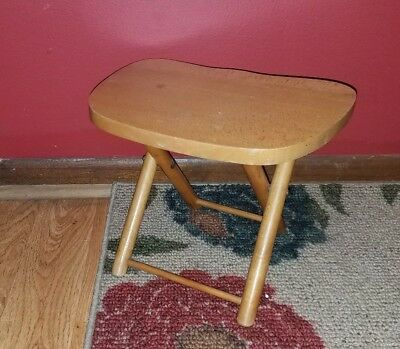 FINE Vintage Wooden NEVCO Fold'N Carry Stool~MILKING Stool~Yugoslavia!
