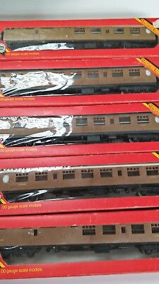 HORNBY THOMPSON COACHES x 5 Boxed