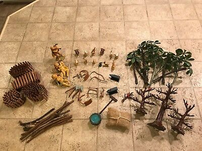 "Accessory Lot #2 used in Fontanini Nativity 5"" Display"