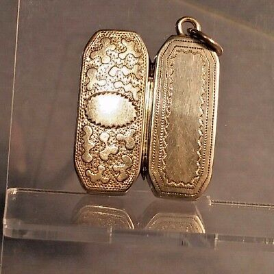 # 1806 Unusual shape Georgian silver vinaigrette gilded interior & sponge