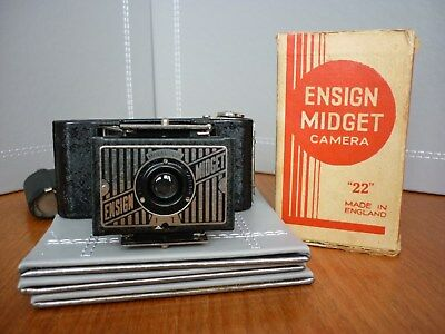 ENSIGN MIDGET 22 In Pristene condition with orginal BOX and Leather case.