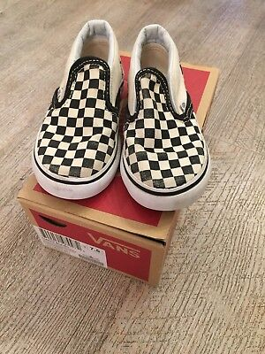 Classic Slip On Checkerboard Vans Black And White 7 / 24