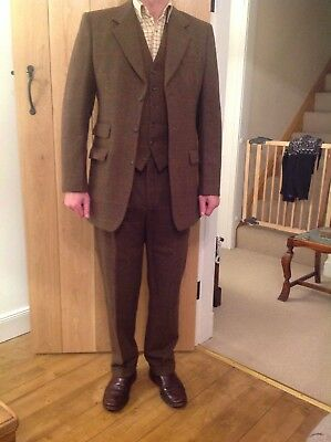 Vernon Rees And Goodalls 3 Piece Tweed Suit