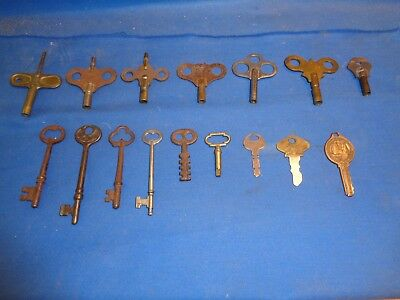 Lot of 16 Vintage Clock Hollow Barrel Skeleton Insurance Ford & Other Keys