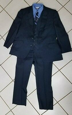 Vintage mens 40S 3 piece suit with shirt and tie navy blue pinstripe 1970s