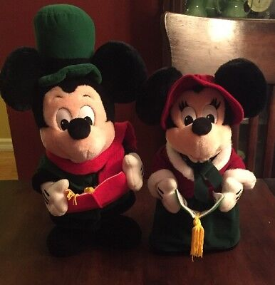 Disney Mickey and Minnie Mouse Christmas Carolers  Plush Toys