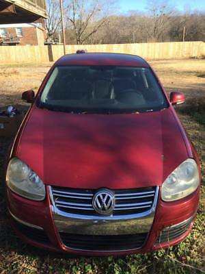 2006 Volkswagen Jetta  Volkswages Jetta 2006 Red for parts