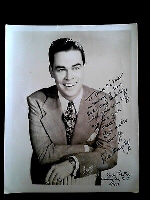 1944 Handsome Actor 8 x 10 PHOTOGRAPH ..Gay Interest Inscription, Earle Theatre