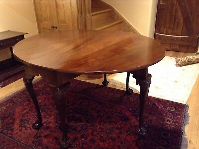 Antique Mahogany Queen Anne Style Gate Leg Oval Dining Table