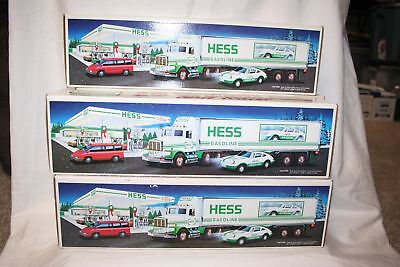 Vintage 1992 Hess Gasoline 18 Wheeler & Racer Car Toy Truck New In Box