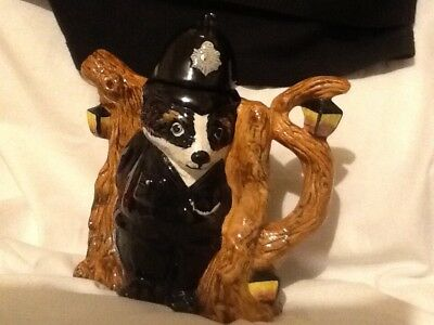 Staffordshire fine ceramics Badger tea pot circa 1970