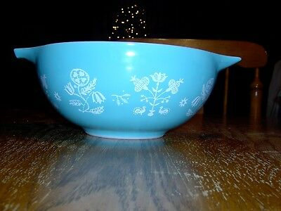 Pyrex Needlepoint 2 1/2 Qt. Bowl Promotional Pattern