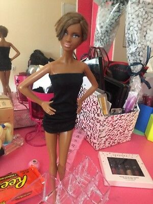Barbie Basic N8 Collection