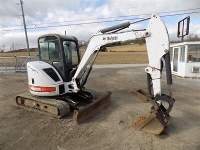 2004 Bobcat 430 Mini Excavator w/ Cab and Hydraulic Thumb. Coming In Soon!