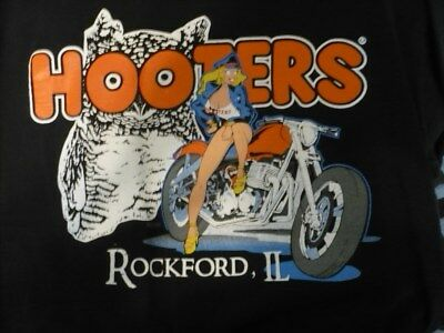 Hooters T-Shirts Large (3) Rockford 2003 vintage