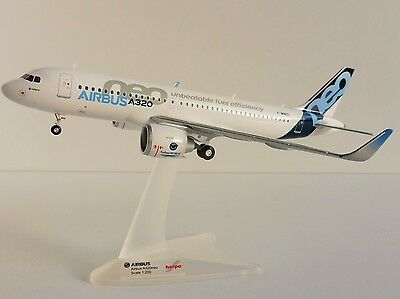 Airbus A320neo 1/200 Herpa 557894 A 320 neo F-WNEO HOUSE COLOURS New Engine
