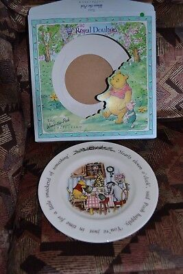 WINNIE THE POOH PLATE - ROYAL DOULTON (still in box)