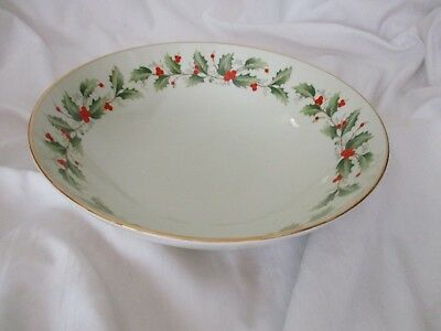 Royal Gallery Macy's round serving bowl Holly 6283 Christmas green red