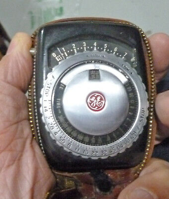 Beautiful 1950s GE PR-1 Phoyographer's Light Meter, working, w leather case