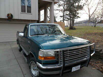 1996 Ford F-150  1996 Bluegreen Ford F-150 XLT Styleside Pick-up