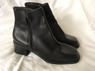Ladies Sandler Leather Boots Size 8.5