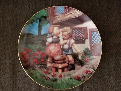"""M.J. Hummel Collector Plate, Danbury Mint  """"Squeaky Clean"""" with Certificate"""