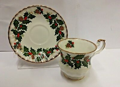 Rosina-Queens YULETIDE (Scalloped) Cup and Saucer Set CSFM2  BEST More Available