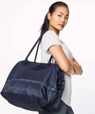 Lululemon Go Lightly Duffel MDNI Midnight Navy NWT Yoga Workout Duffel Bag O/S