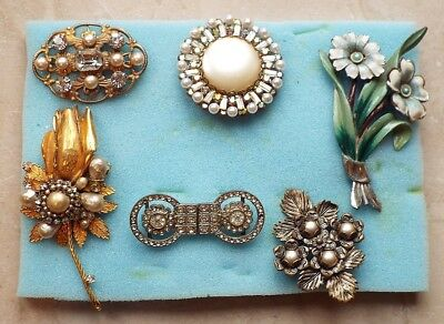 6 Beautiful Vintage & Original Good Quality Old Shop stock Brooches