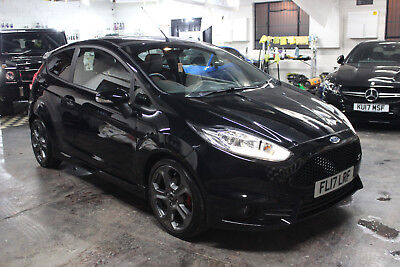 2016 ford fiesta 1 6 ecoboost st 3 turbo 3doors in frozen white 180bhp 10 picclick uk. Black Bedroom Furniture Sets. Home Design Ideas