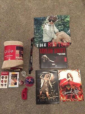 """Taylor Swift 2010 """"red"""" Tour Vip Swag Package: Blanket, Tour Programs, Etc"""