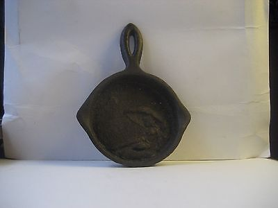 Very Unique Cast Iron Bathing Beauty Girl/girlie Mini Frying Pan