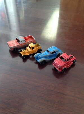 Lot Of 4 Antique Cast Iron Cars, Complete With Original Paint And Patina