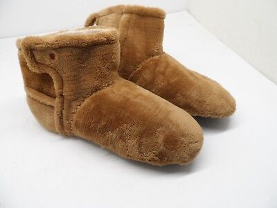 9ad5c40f065 UGG GIRL'S I heart Cozy Fair Slippers Size 4M