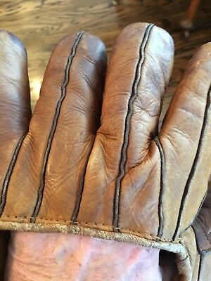 Early Old Antique 1940's All Leather PEE WEE REESE Baseball Glove Mitt Vintage