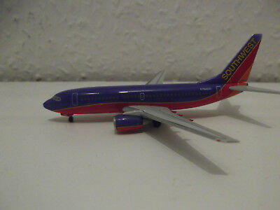 Herpa Wings Southwest Airlines Boeing B737-700 1:400 N794SW 737