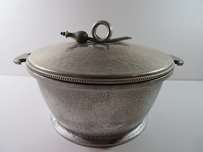 """Vintage Guardian Ware Aluminum LARGE Cooking Pot 9"""" x 4 1/4"""" deep with a lid."""
