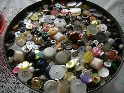 Vintage lot of old buttons glass/plastic/metal/mother pearl/bakelite