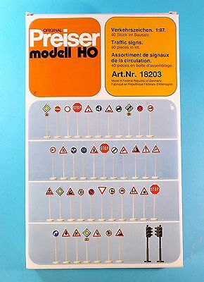 HO 1/87 Preiser Traffic Signs No.18203
