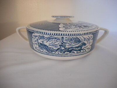 Currier & Ives Royal China blue white Covered Casserole dish D handles 1.25 Qt