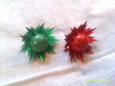 2 Vintage Christmas Tree Figural Light Bulb Stars With Rays Red And Green