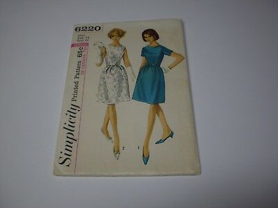 Uncut 60's Misses Bell Shaped One Piece Party Dress Size 14 Bust 34