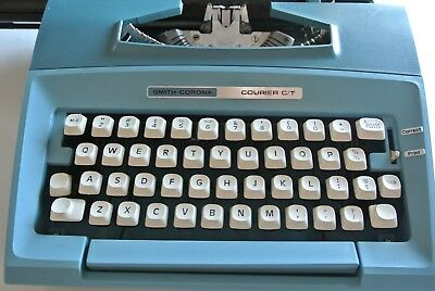 Smith-Corona Courier C/T Manual Typewriter, Aqua Blue, w/case from the early 80s