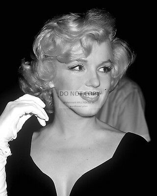 Marilyn Monroe Iconic Actress & Sex-Symbol - 8X10 Publicity Photo (Op-969)