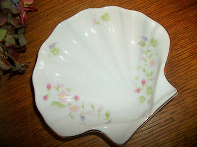 Sea Shell Soap Dish White Porcelain Floral Clam Trinket Dish Dresser Top Tray