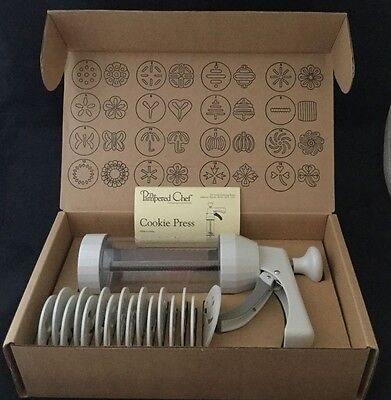 NIB The Pampered Chef Cookie Press w/ 16 Disks #1525 + Instructions & Recipes!