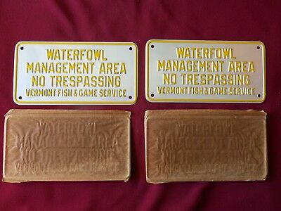 "VINTAGE PAIR 1940's NOS VERMONT HUNTING SIGNS  - ""WATERFOWL AREA NO TRESPASSING"""