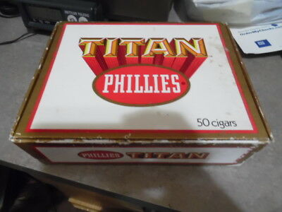 VINTAGE LOT OF 3 USED CIGAR BOXES TOBACCIANA Phillies , Wolf Bros, Wm Penn