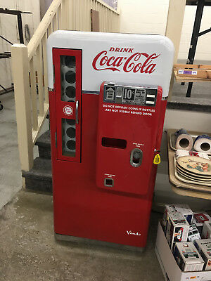 "RARE VINTAGE 1958 COCA COLA ""10 CENT"" SODA MACHINE MODEL ""H56A"" by VENDO & WORKS"