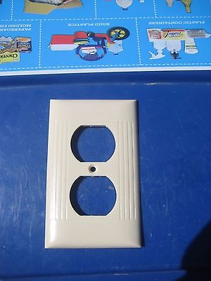 Vintage SIERRA ELECTRIC 1-Gang Duplex Outlet Receptacle Wall Plate Set of 1 USA